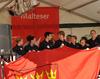 Auch für die Sieger des Helferwettbewerbs (hier mit Köln Fahne) heißt es