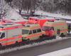 Ein hohes Aufgebot an Einsatzfahrzeugen stand beim Einsatz in Gummersbach bereit. Darunter auch ein Krankentransportwagen aus Waldbröl, der einen Patienten ins Krankenhaus beförderte.