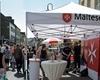 Der gut besuchte Stand der Euskirchener Malteser beim Stadtfest. Foto: André Bung.