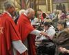 Die feierliche Messe in der Basilika hielten Weihbischof Dr. Klaus Dick und Malteser Diözesanseelsorger Franz Meurer. Foto: DGS Köln
