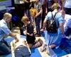 Die Malteser Schule Bonn bei der Bonner Wissenschaftsnacht: An einem Mega-Code-Trainer und mehreren Übungsgeräten für Herz-Lungen-Wiederbelebung konnten zum Beispiel elementare Handgriffe der Ersten Hilfe aufgefrischt werden. Foto: Malteser Schule Bonn.
