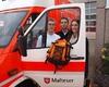 Die neuen Bundesfreiwilligen Marcus Faßbender, Josip Dilber und Jacqueline Groß mit dem Bundesfreiwilligen Rucksack. Foto: DGS Köln
