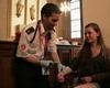 Kreislauf-Check: Die Malteserhelfer bei der Hilfeleistung in der Domsakristei während der Jugendvesper des Schülertages. Foto: DGS Köln.